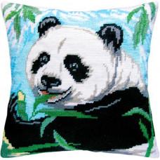 V07 Панда. Подушка. Чарівниця. Набір для вишивання нитками на канві з нанесеним малюнком